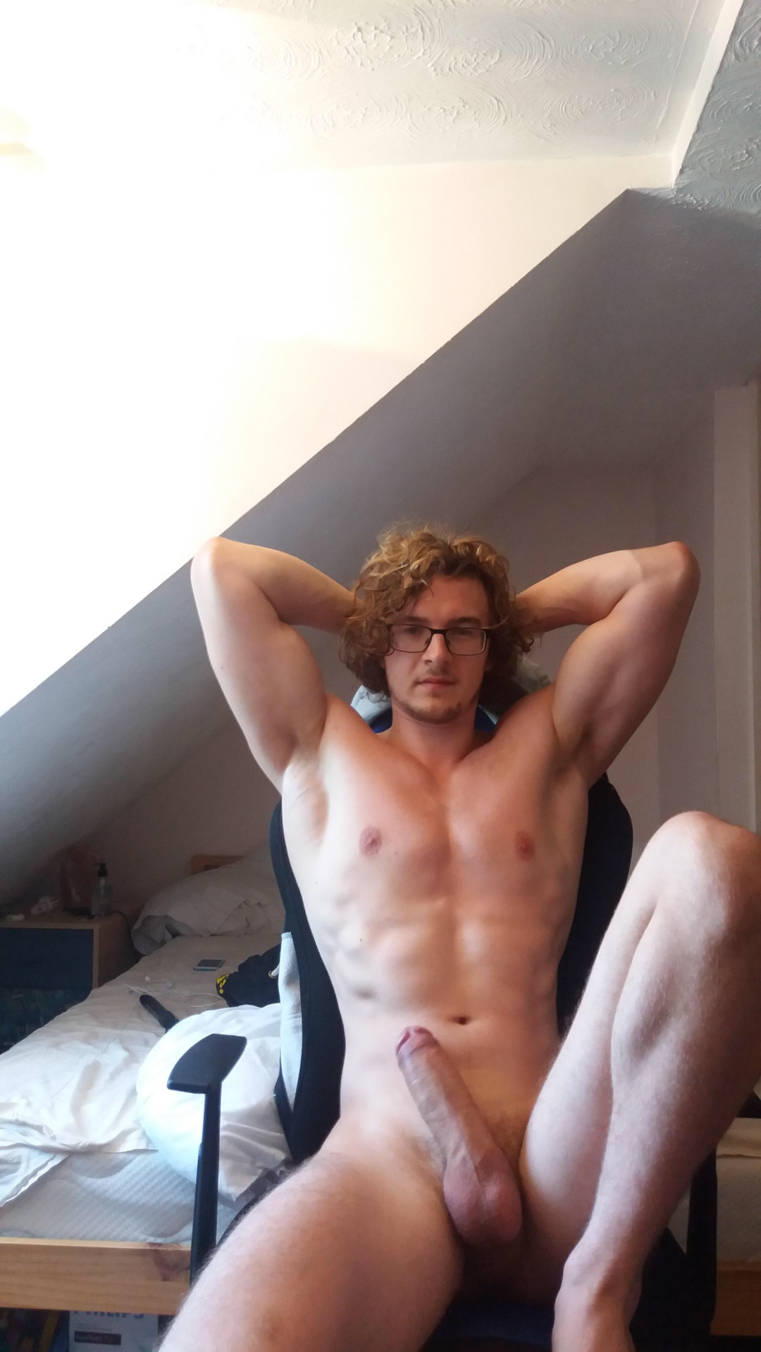 homme musclé gay tres grosse bite de gay